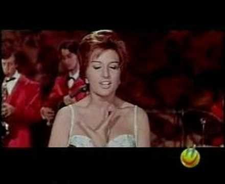 """MINA """"Il cielo in una stanza"""", an Italian classic song"""