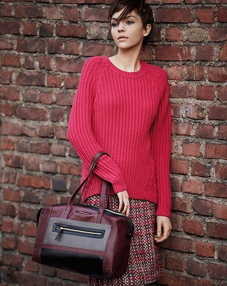 Tweed skirt updated! Get the look: knit CARMINE, skirt IMPOSTA, bag TRINCEA