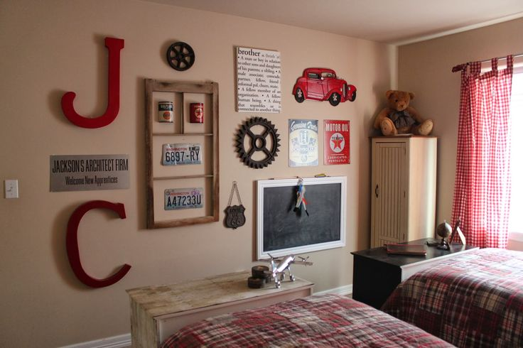 {pineplace}: Boy's Bedroom: Update to Jackson's Headboard
