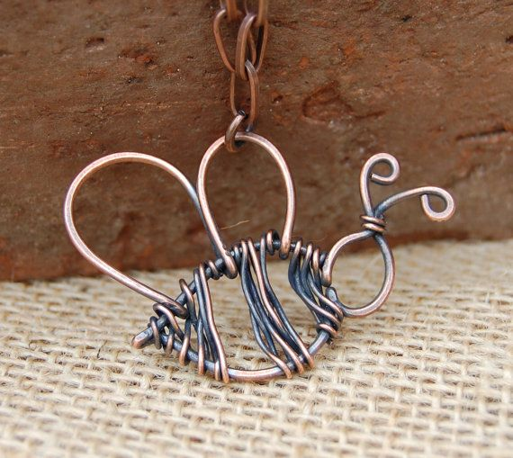 Bumble Bee Necklace. Wire Bee. Copper. by Karismabykarajewelry, $36.00