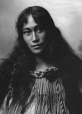 Wetekia Ruruku Elkington, a Maori woman, taken around 1900