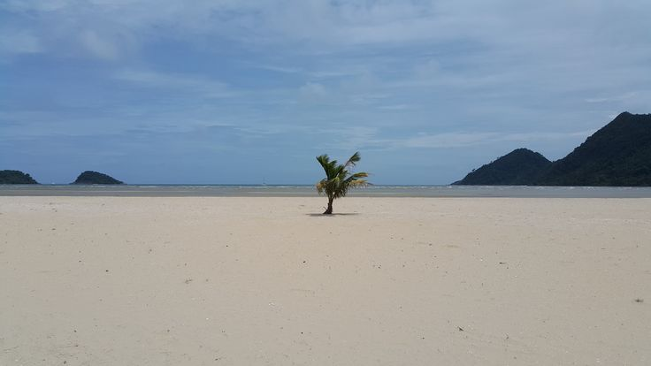 Koh Chang - crowded beaches :)