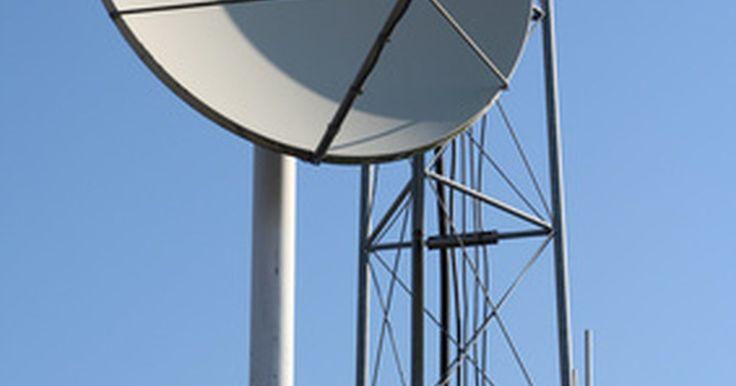 Como localizar um número de celular satélite. Um celular satélite é um tipo de telefone que se conecta à rede via satélite aos invés de uma torre de celular. Eles são similares em tamanho e funcionalidade a um aparelho de celular comum. Se quiser encontrar o número de celular satélite de alguém, o número não estará disponível no diretório de consulta 102. Entretanto, diversos diretórios não ...
