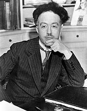 Louis de Broglie (Dieppe, 1892) made groundbreaking contributions to quantum theory. He postulated the wave nature of electrons and suggested that all matter has wave properties. This concept is known as the de Broglie hypothesis, an example of wave-particle duality, and forms a central part of the theory of quantum mechanics. The wave-like behaviour of particles discovered by him was used by Erwin Schrödinger in his formulation of wave mechanics.