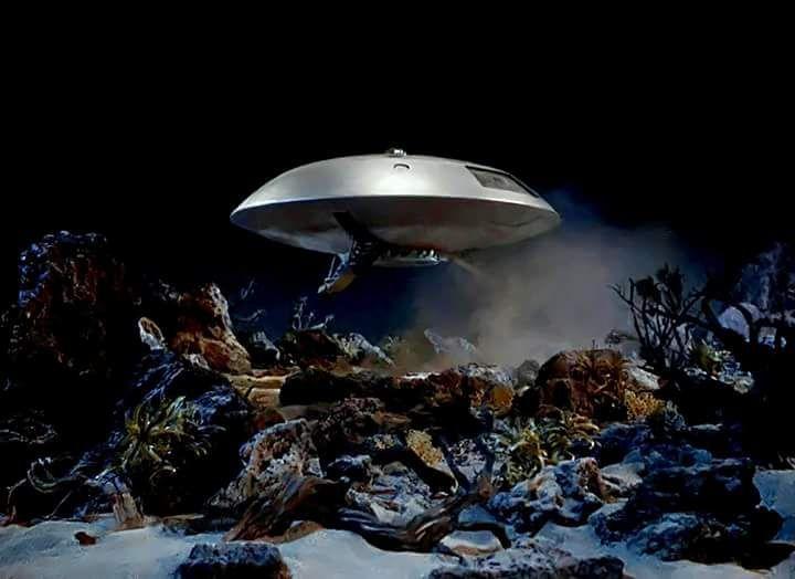 a spaceship landing on jupiter - photo #41