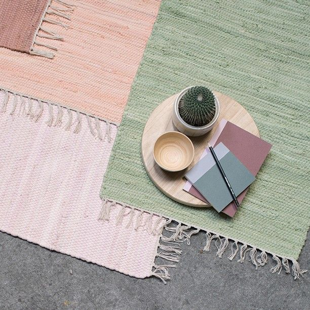 Rag rugs with a charming and unpretentious expression // Rag rugs, 50x80 cm, available in nine colours. Price per item DKK 36,60 / ISK 979 / SEK 49,70 / NOK 54,90 / EUR 4,98 / GBP 4,88