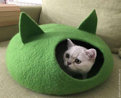 Купить или заказать Домик для кошки в интернет-магазине на Ярмарке Мастеров. Изделие для кошки или маленькой собачки. Уютный теплый шерстяной домик. Возможно изготовление любого цвета. Несколько размеров (от 10 см :-) До 50 см) донышка.