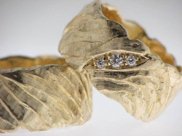 Anello da matrimonio in oro 18k scortecciato con o senza brillanti di DESAURUM su Etsy