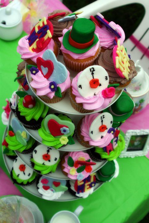 Cute cupcakes!  mad hatter theme