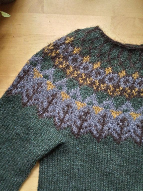 Icelandic Sweater / Lopapeysa Women Hand Knit in by Waysofwoodfolk