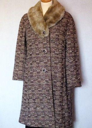 À vendre sur #vintedfrance ! http://www.vinted.fr/mode-femmes/manteaux-dhiver/51487933-vrai-manteau-vintage-des-annees-60