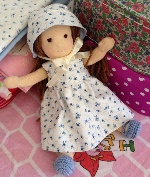Kleine Anziehpuppe , 24cm von littlehanny auf DaWanda.com