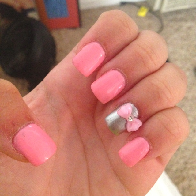 Pink and silver nails with bow =)