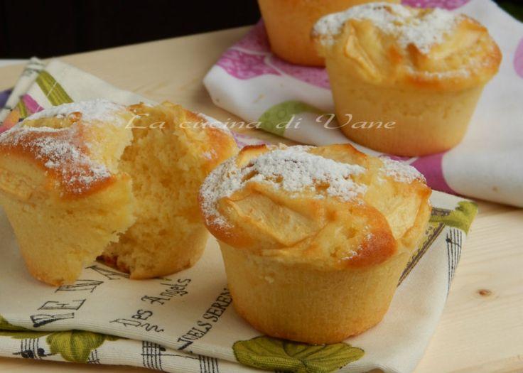 muffin sofficissimi yogurt e mele, ricetta per fare dei muffin alle mele morbidi…