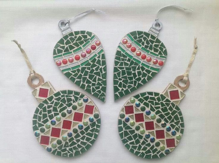 Christmas Mosaics - Statement Christmas Baubles (approx. 20com) £9