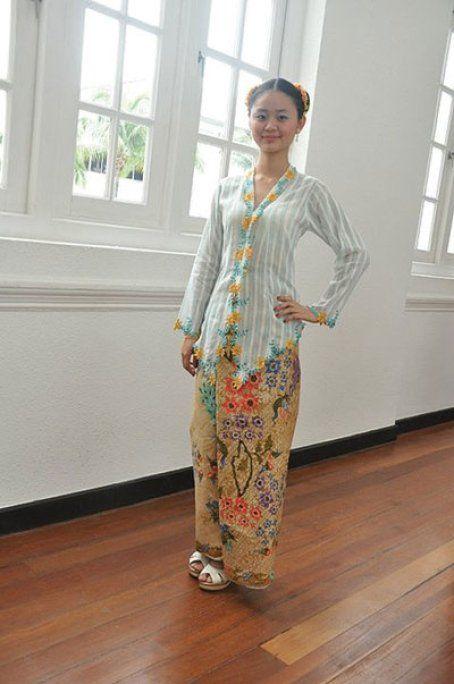 Sarongs of the nyonyas- sarong kebaya