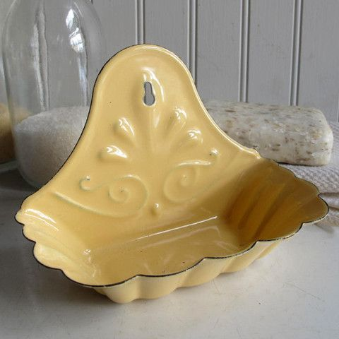 Enamel Soap Dish, this would be amazing in my kitchen!