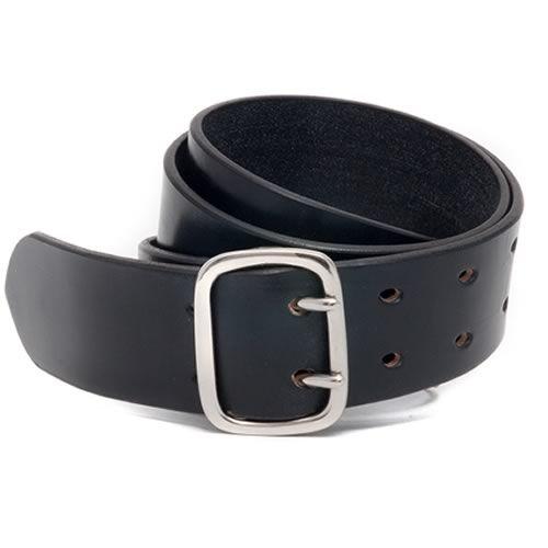 Skapa is an original design, handmade leather woman's belt. Modern design, built to last a lifetime in Scotland by McRostie of Glasgow.