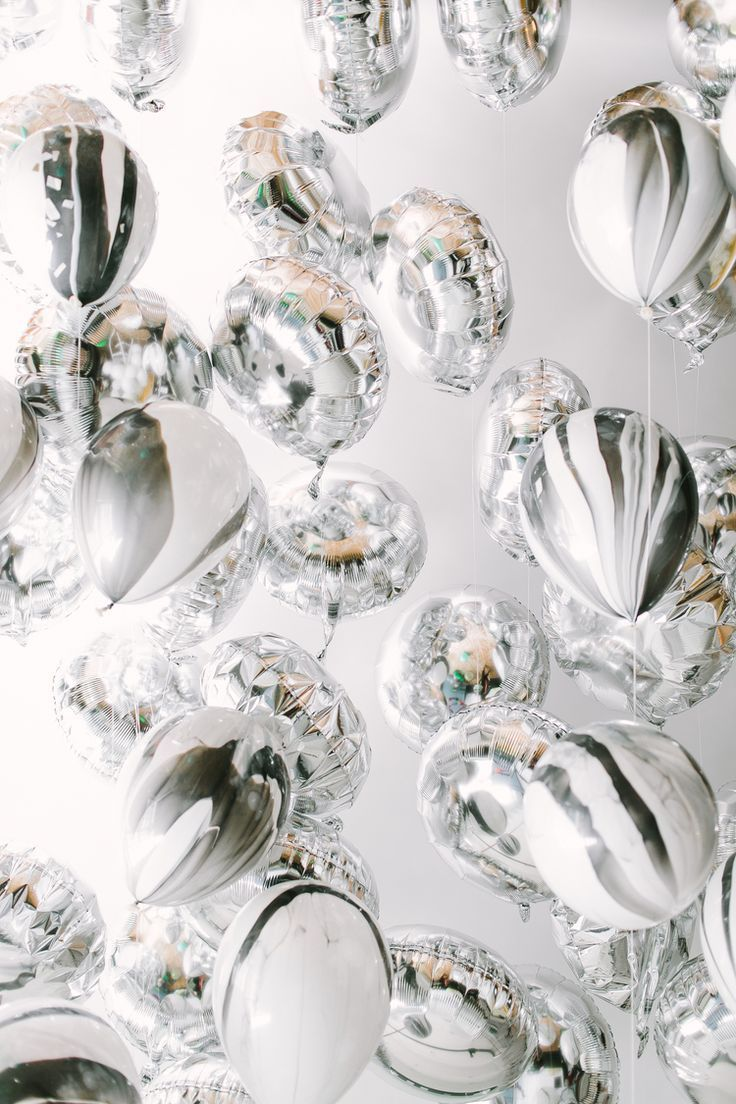 Silver Marbled Balloon Ceiling