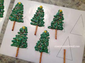 It's Written on the Wall: Fabulous Christmas Dessert, Snowy Chocolate Christmas Tree Cupcakes and Banana Santa Treats