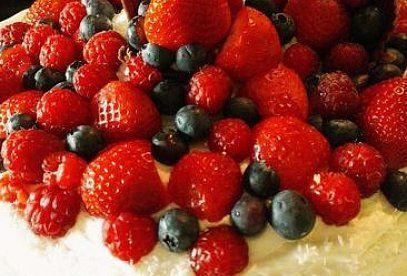 Kokosový dort s ovocem