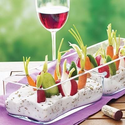 Batonnehttp://www.paperblog.fr/7809205/10-idees-de-presentation-pour-les-batonnets-de-legumes-a-l-aperitif/ampts de légumes façon jardinière