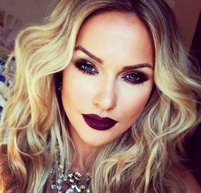 Any Dark Lip Color Completes a Fall/Winter make up look :*