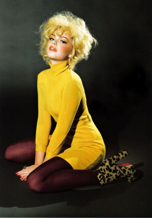 Love this: Fashion Style, Color, Sweaters Dresses, Pinup, Pin Up, Woman Style, Style Clothing, Style Fashion, Ellen Von Unwerth