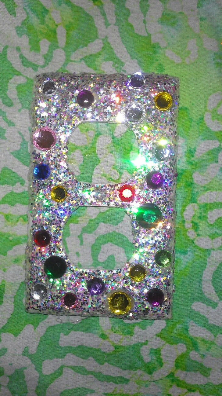 Outlet bling and glitter