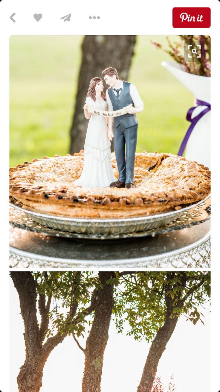 Figurine de gateau de mariage ( maries tenant une banniere)
