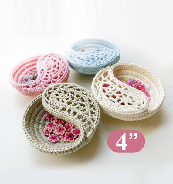 """CROCHET PATTERN - 4"""" yin yang jewelry dish, Crochet basket photo tutorial. Color of the year. Valentines day gift ideas for her."""