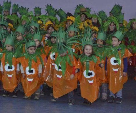 hacer disfraces caseros para colegios zanahorias - Disfraces caseros, Disfraz de frutas ...