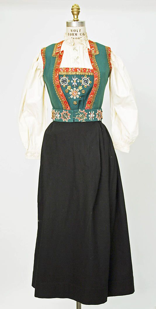Norwegian ensemble c. 1800 - 1925. Really like the detail on the blouse.
