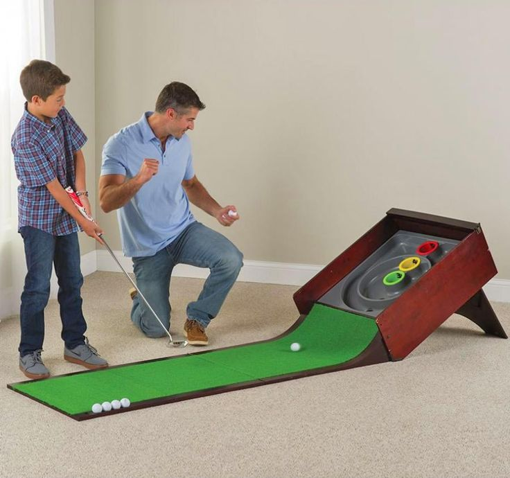 Good at putting? Good at Skee-Ball? This arcade games combines both putting and skee-ball for an epic retro-styled arcade game. Simply putt a golf ball down the green and up a ramp in hopes that your ...