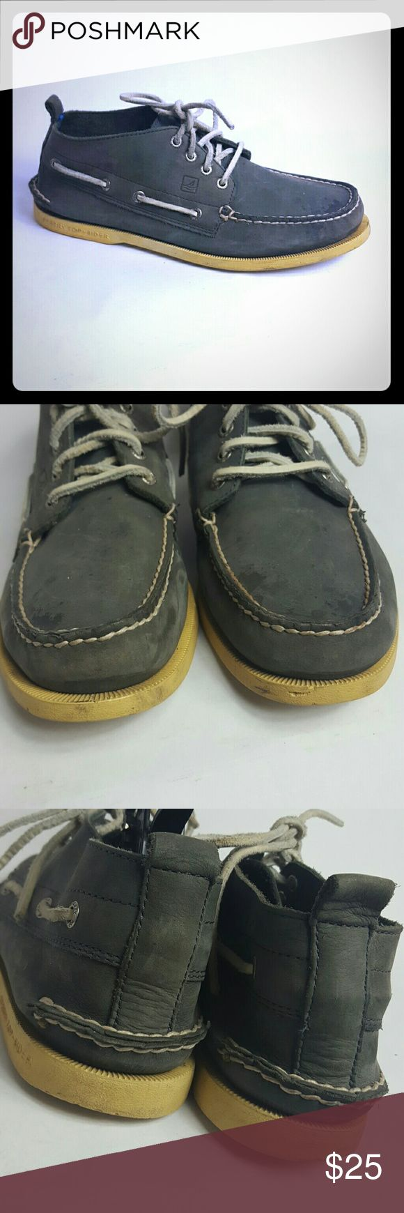 Sperry Top Sider Mens size 9M Condition 8/10, normal amount of scuffs on both shoes from normal wear and few stains very light, not very noticeable, they might come out, but I did not try to clean them , check the pictures, still wearable, if you have any questions or you want to request more pictures, don't hesitate to ask me. Thanks for your time. Sperry Top-Sider Shoes Boat Shoes