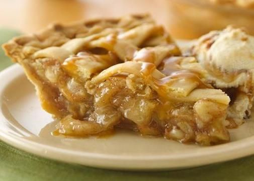 Caramel Apple Pie!! Ive actually made this before and it's amazing!! of course i tweeked it a lil to make it my own :)