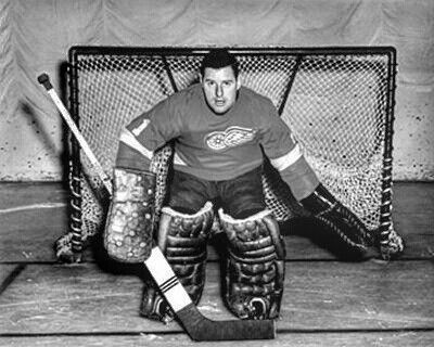 Gilles Boisvert played 3 games for DET in 1959/1960 season. In 1955 Boston traded Boisvert, Real Cherefils, Norm Corcoran, Warren Godfrey & Ed Sanford to DET in return for Terry Sawchuck, Marcel Bonin, Lorne Davis, & Vic Stasiuk.