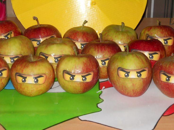 Een ninja-appel om mee te geven met de kindjes