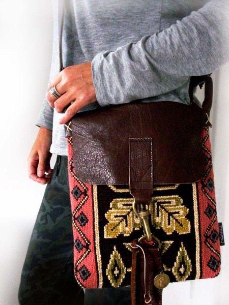 Hip handgemaakte tas vintage borduur/leer van Franellie op DaWanda.com