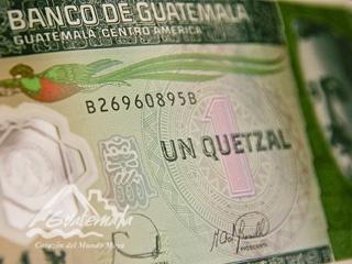 La moneda oficial de Guatemala es el Quetzal.