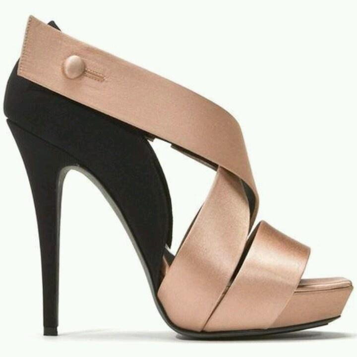 Terima buat Sepatu Wanita/Pria Satuan Kualitas EKSPORT. Untuk keterangan lebih lanjut dapat menghubungi Anni (PIN BB 233FD7A2, HP/Whatsapp/Line 081572985289), Mey Yung (PIN BB 32A6E0BD, HP 02295022). Dicari Reseller Sepatu untuk semua area Indonesia!Bergabung bersama dengan kami FREE alias GRATIS!! more product visit www.parislovelyshoes.com