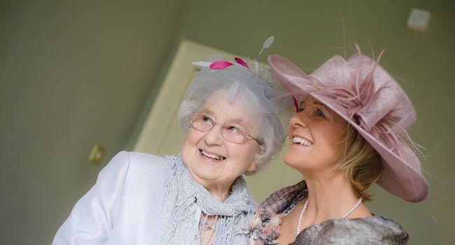 We love a good wedding hat © shoot-lifestyle.co.uk