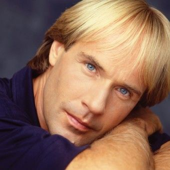 Richard Clayderman free piano sheet music list. Read more about Richard Clayderman before you dive into the piano sheets.
