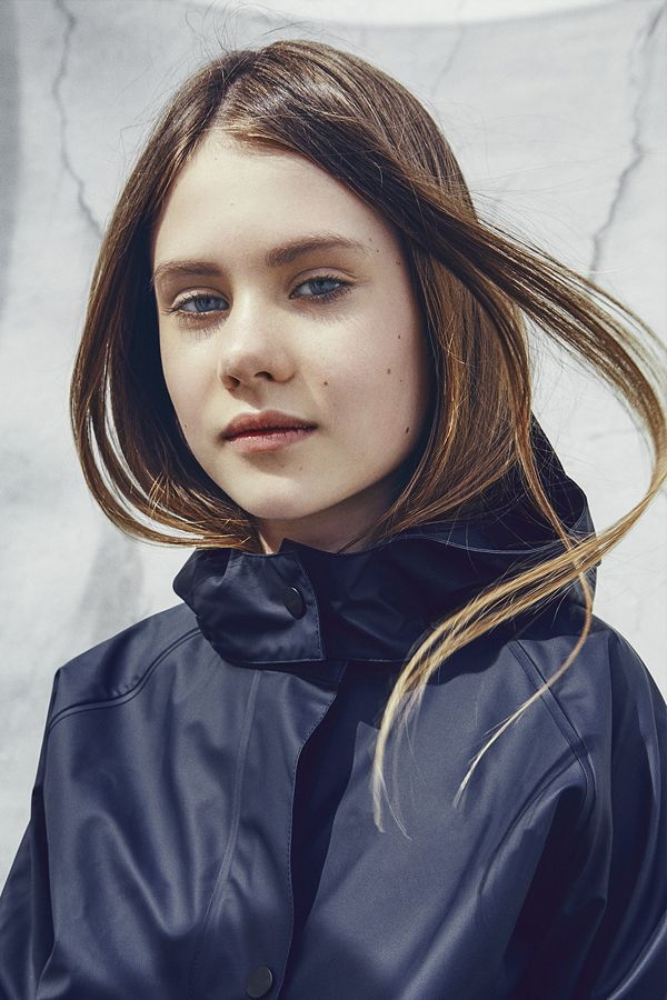 SWAYS – a new danish rainwear label for kids. Photo by Jannick Boerlum. Read more in MILAN Magazine: http://www.milan-magazine.de/sways-kinder-regenjacken/    #sways #rains #arainsoriginal #ss16 #rainwear #regenkleidung #rainjacket #regenjacke #theyoungandthebrave #modernadventurer #outdoor #thegreatoutdors #JannickBoerlum #fashionphotography #kidswear #kidsfashion #fashionforkids #childrensfashion #kindermode