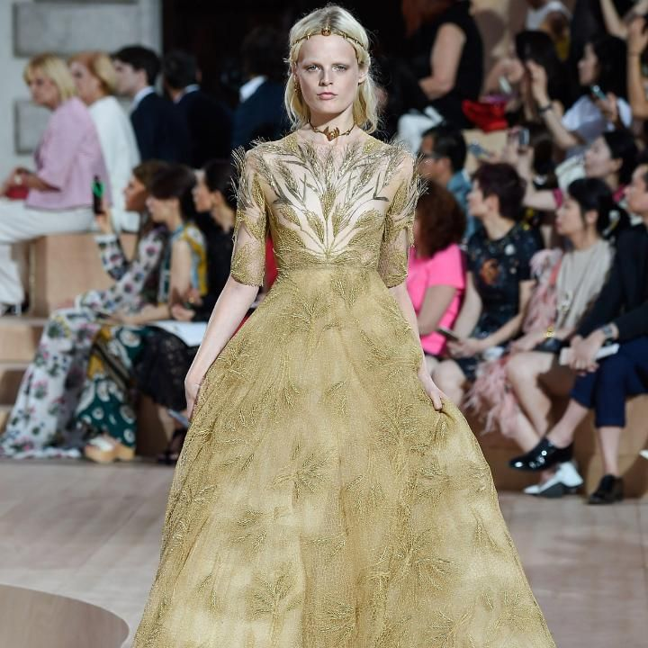 Valentino AW15 collection - gown, red carpet dress.