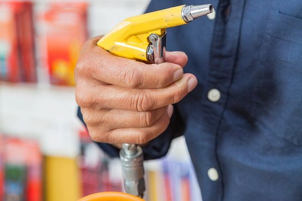 Compressed Air Injury | Safety Toolbox Talks Meeting Topics