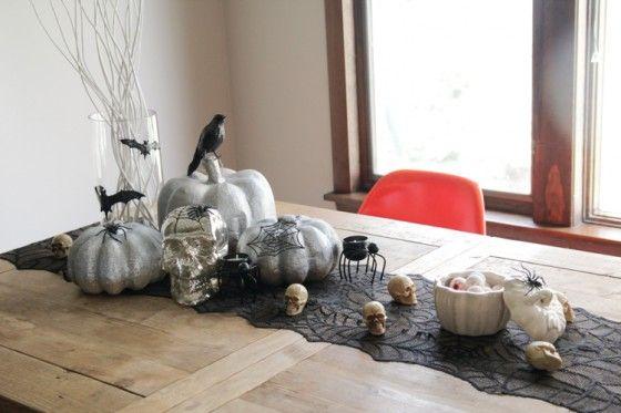 【ELLE】 一茶とマルと、カメラのはなし| ハロウィンディスプレイ、お見せします!|エル公式ブログ