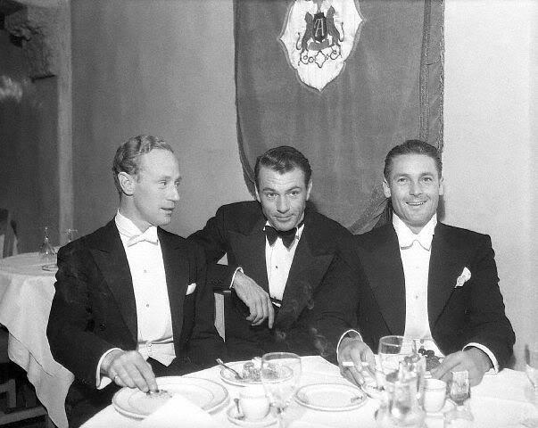 Leslie Howard, Gary Cooper, and Charles Farrell