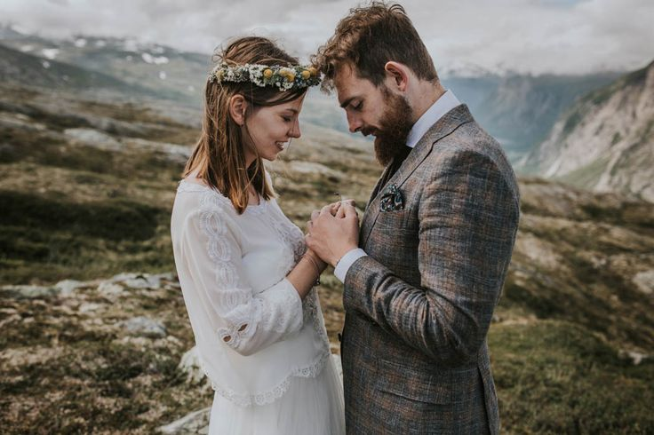 This Norwegian post wedding shooot has stolen our breath | Image by Joanna Jaskólska Fotografia