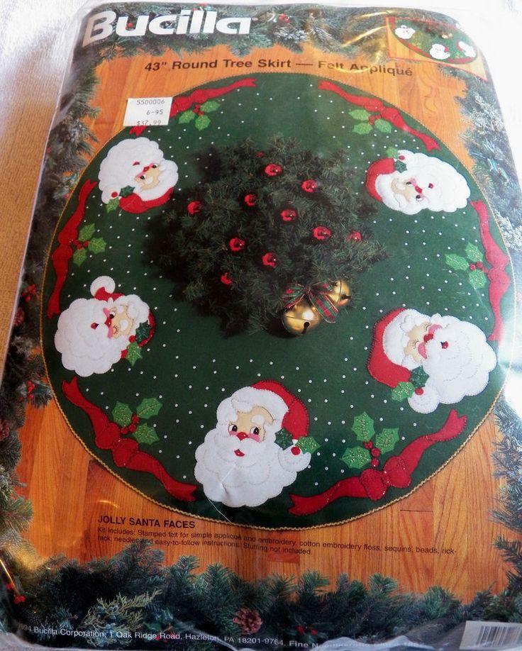 Vintage Bucilla Santa Faces Christmas Tree Skirt Felt Applique Kit Craft 1994